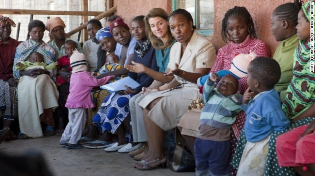 Melinda Gates with mothers in Nairobi Kenya photo via cnn