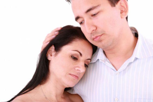 Man comforts woman 56639-20141026