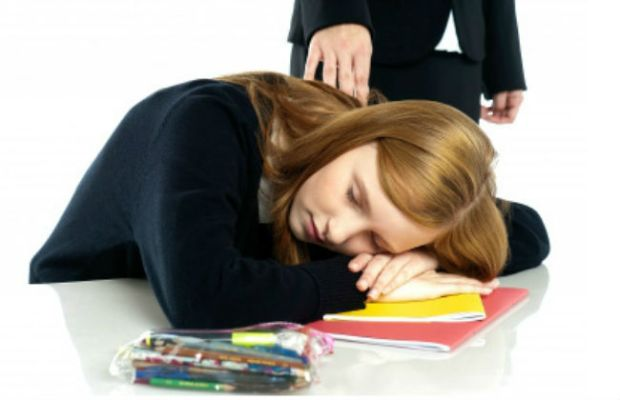 Sleep deprivation soars among college student. As much as 15% college student admit to falling asleep in class. Here a teacher waking up a dozed off student.