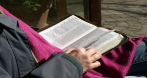 20 Encouraging Bible Verses For These End Times